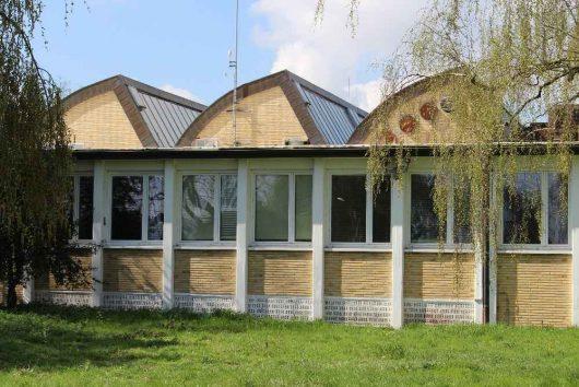 """""""Glashaus"""" der DW von außen (Bild: ©Jülicher Geschichtsverein 1923 e.V.)"""